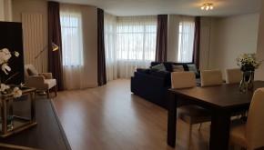 Zeestraat 187, 3 slaapkamers , 2 nieuwe badkamers, gemeubileerd