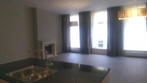 Per 1 mei : DENNEWEG 4a, luxe en ruim compleet gerenoveerd appartement
